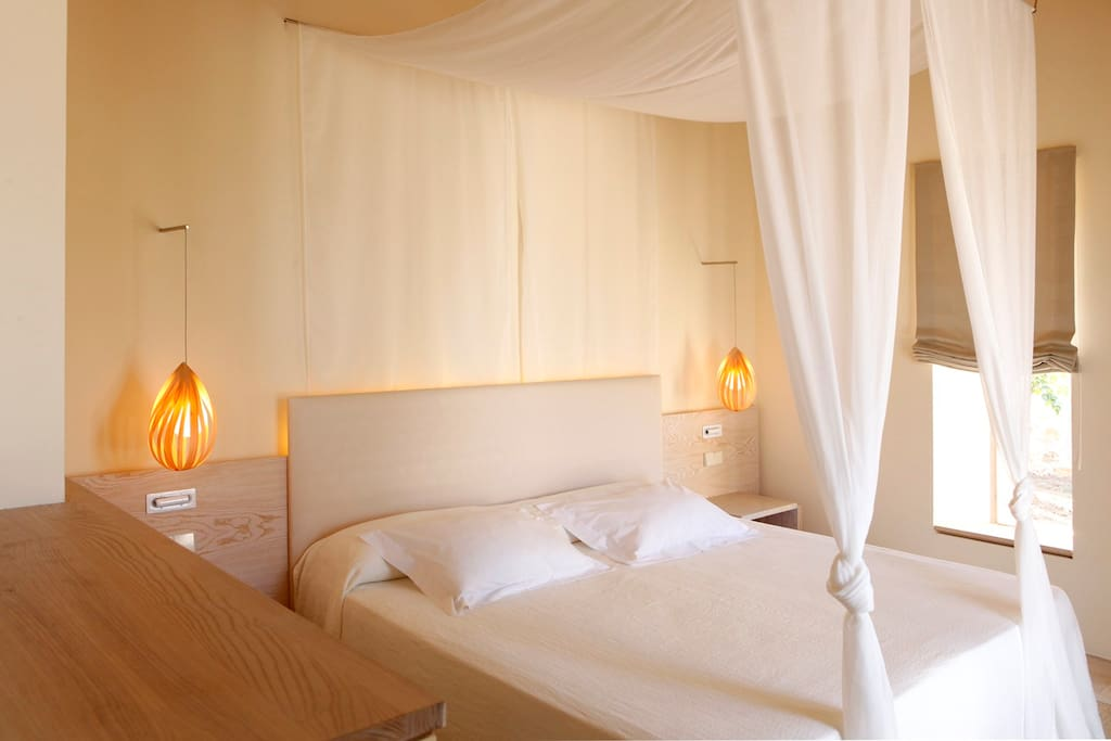 Aina suite con piscina privada bed and breakfasts for for Suite con piscina privada