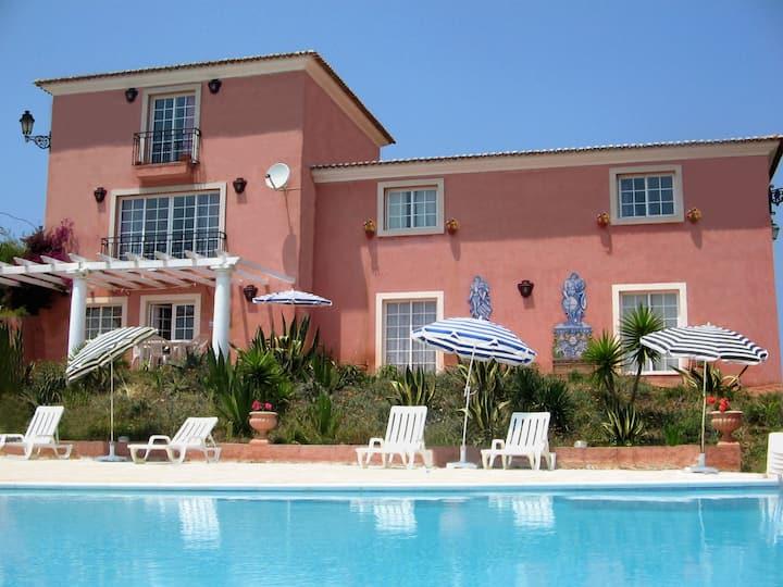 Glicínia Apartament in Country close to Ericeira