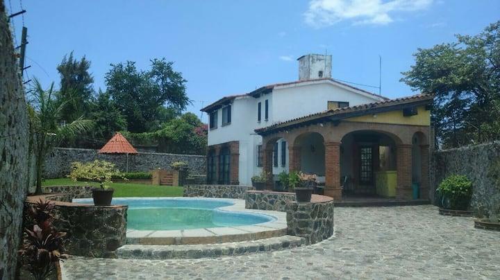 Casa sola en Cuernavaca tipo Colonial. Cero Ruidos