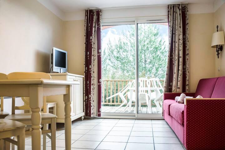 Belle maison 5 pers au calme - village Le Rouret - Grospierres - House