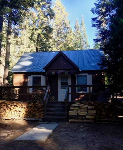 Cozy Retreat in Kings Canyon Nat. Park - Kings Canyon - Kabin