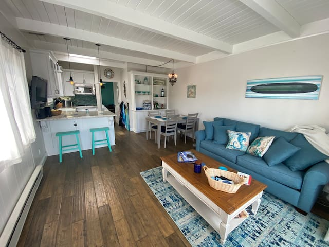 Charming Cozy Condo Steps from the Sand