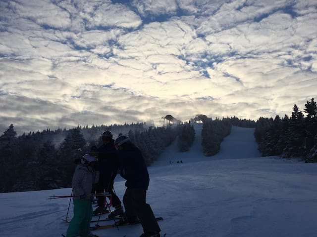 STRATTON MT SNOW Spring skiing FUN - Wardsboro - Rumah