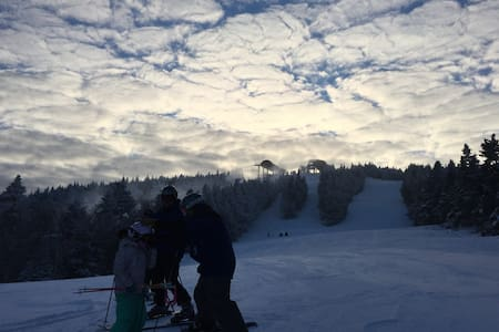 STRATTON & MOUNT SNOW SKI FUN! - Wardsboro