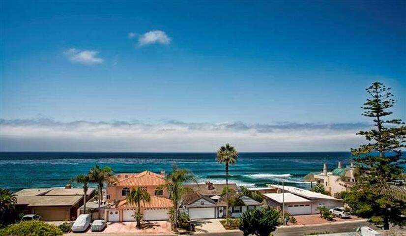 Amazing Private Room by the Beach! - Carlsbad - House