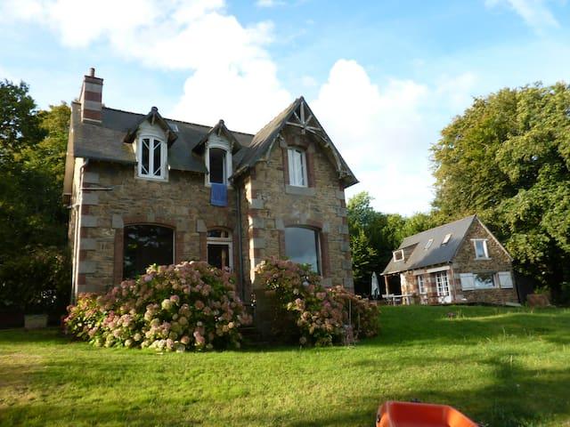 Maison avec vue sur mer - Penvénan - Huis