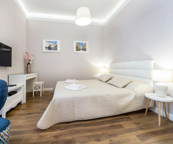 Krakow Central Station & Old Town Comfy Apartment
