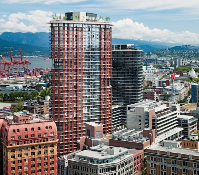 Vancouver Apartments: Stunning Apartment In Landmark Woodwards Building