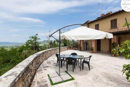 Villa con vista a Mazzolla