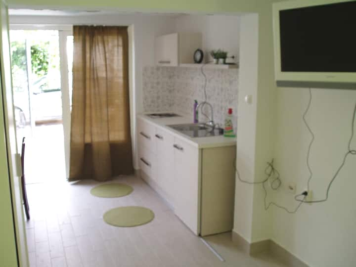 Great,cozy and quiet studio for two in Vodice!