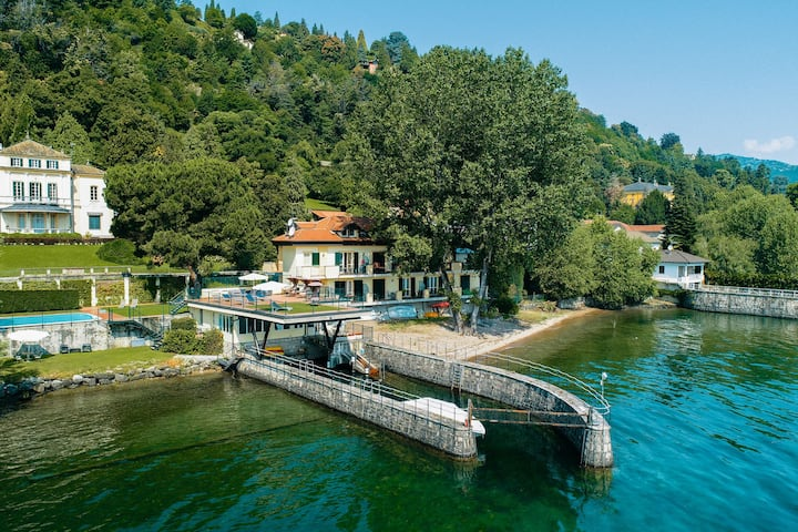 On the shores of Lake Maggiore, swimpool, beach and balcony with lake view