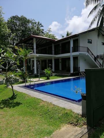 Hikka Villa Lotus Boutique Hotel & private pool
