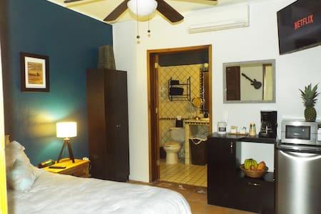 Cozy Paradise Bungalow - Bucerías - Guesthouse - 2