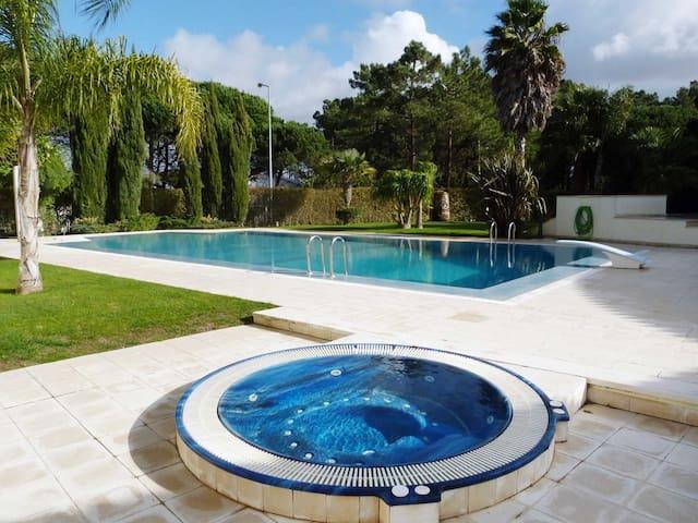 Villa Mila - Sesimbra - House