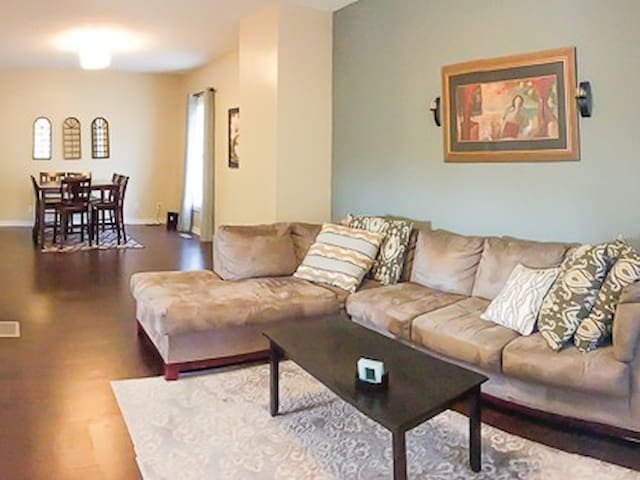 Modern 4 BR Fountain Square House!