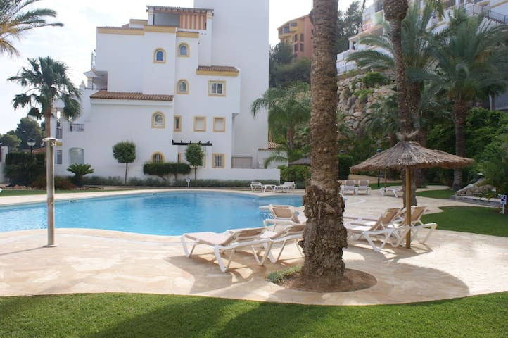 Beautiful large sunny apartment w/pool - Pueblo Mascarat - Appartement