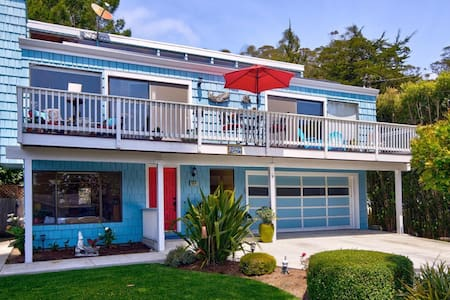 Casa Blue: Walk to Beach, Breakfast & Brewery