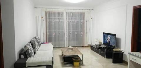 在鄂尔多斯真正的家,干净卫生,东胜市区,出行方便。
