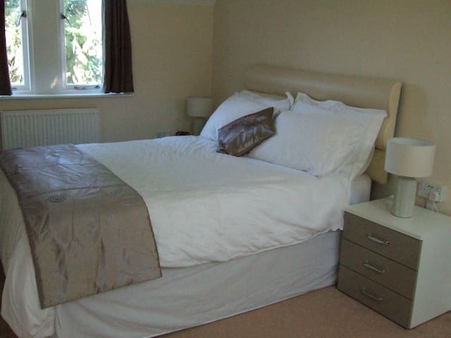 The Garden House B&B - Kelham - Bed & Breakfast