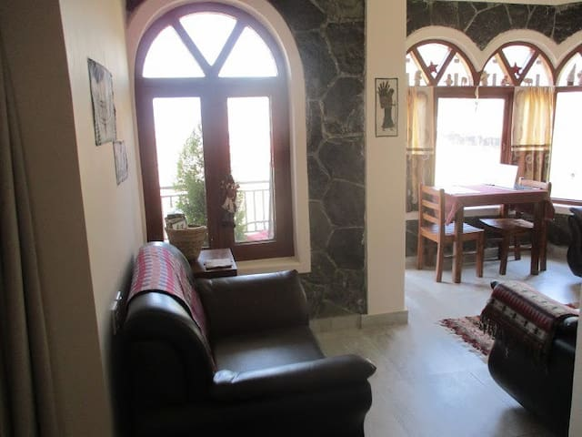 Quiet countryside apt. in Pokhara
