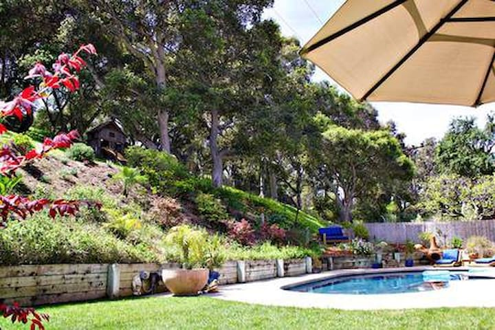 Santa Barbara Pool House Getaway!
