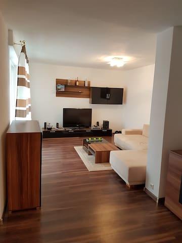 Wunderschöne Terrassen Wohnung - Esslingen am Neckar - Leilighet