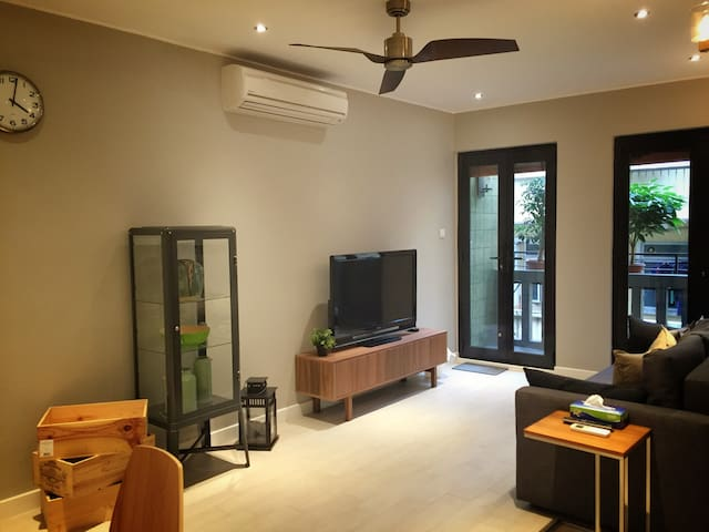 Newly Refurbished, Modern 2 Bedroom - Macau - Daire