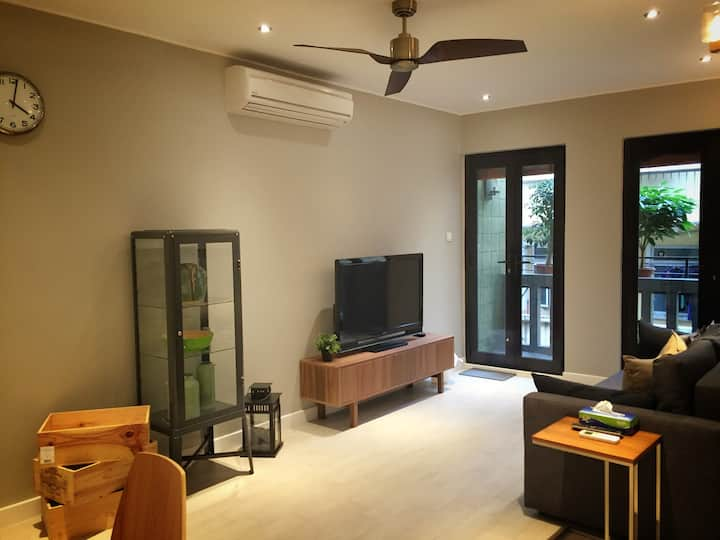 Newly Refurbished, Modern 2 Bedroom