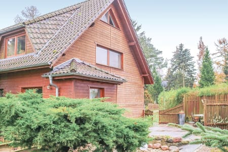 Semi-Detached with 3 bedrooms on 100m² in Bülower Burg