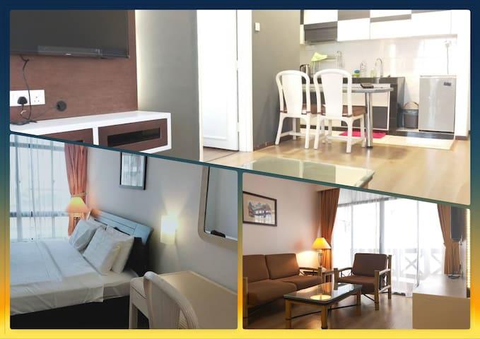 Homey Apartment Luxurious Deco near Mahkota Parade
