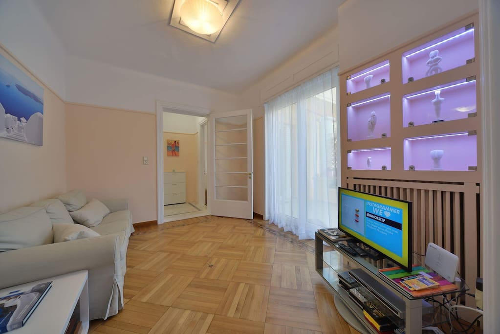*Entrance and living room: On the right of the hall after crystal door there's the first room , privacy and intimacy is guaranteed.