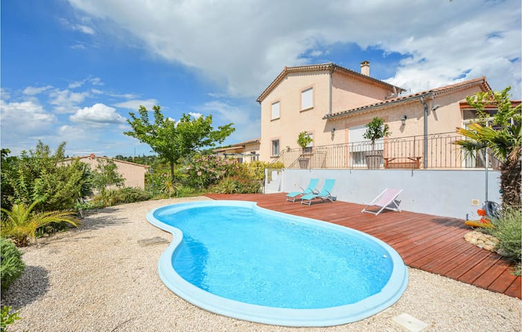 Stunning home in Barjac with WiFi and 1 Bedrooms