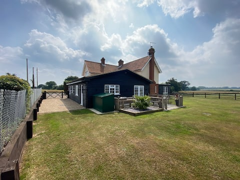 The Annexe Eyke fantastic views and Horse holidays