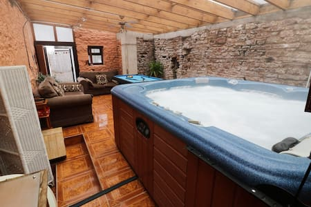 Herefordshire Cottage - Kingfisher - With Hot Tub
