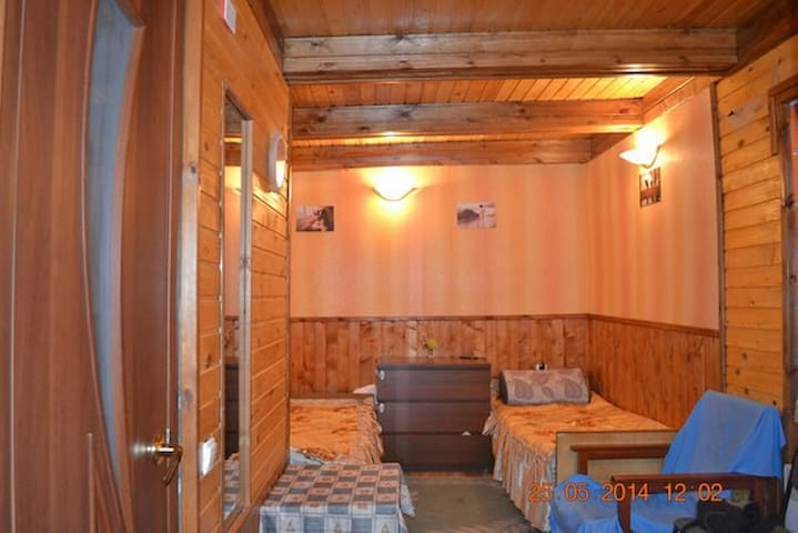 Сдам,в Сочи Комнаты и домики До моря 7 мин ходьбы - Soçi - Daire