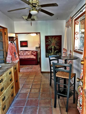 El Morocco Casita- Steps From NMSU - Las Cruces