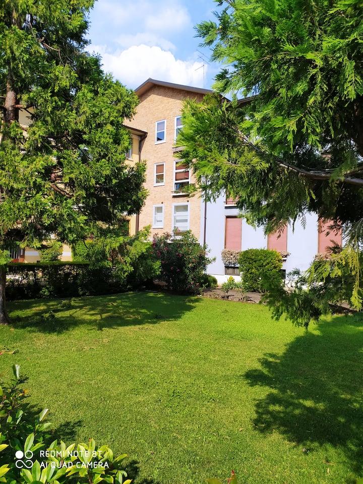 """""""Adige Rooms"""" A due pasi dal balcone di Giulietta!"""