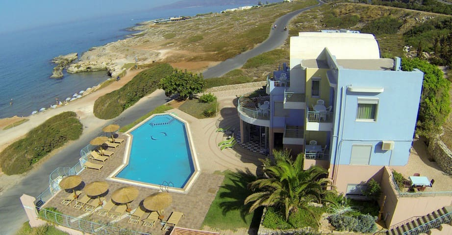 Large seaside villa with pool - Heraklion - Daire