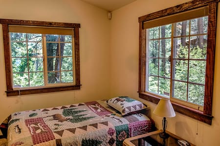 Private,  2 room cottage in the mountains - Crestline - Hus