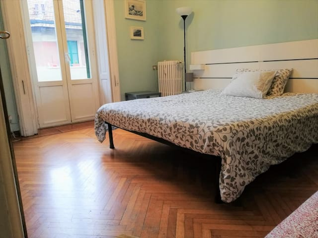 King size and other single bed  with bathroom