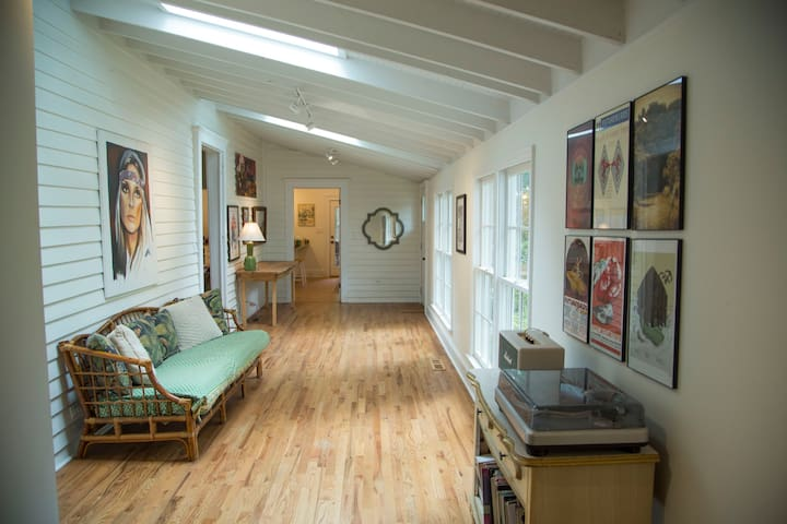 Eclectic, updated farmhouse near Athens, GA