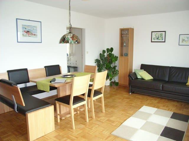Obst- und Ferienhof Marschall, (Wasserburg (Bodensee)), 1. Ferienwohnung Parterre, 52qm,  1 Schlafzimmer, 1 Wohn-/Schlafzimmer, max. 4 Personen