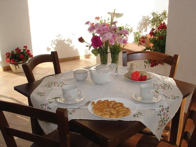 Lovely private room with terrace - Fiumenaro - Bed & Breakfast