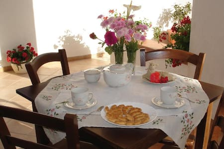 Lovely private room with terrace - Fiumenaro