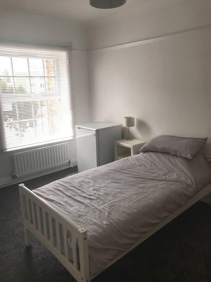 Private room in spacious apartment