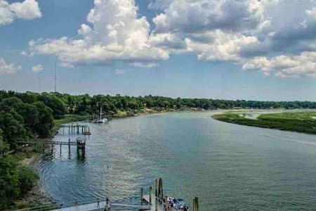 Southern Comfort: Close to Hilton Head & Savannah