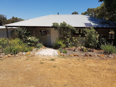 Jarrah Bridge Cottage
