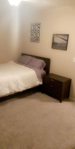 Comfortable Guest Room & Private Bath in Chandler