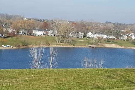 Hill Top Lake View Apartment - Northville - Pis
