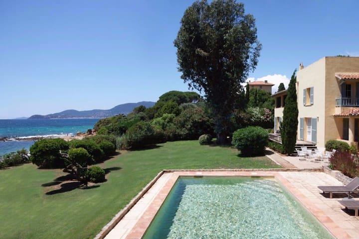 Beachfront villa near St Tropez - La Croix-Valmer - Holiday home